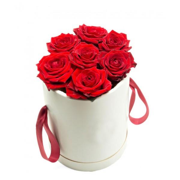 """Букет  """"Роза красная  в коробке 9 штук"""""""